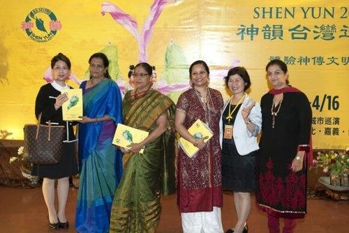 2016-4-16-taiwan-shenyun-6